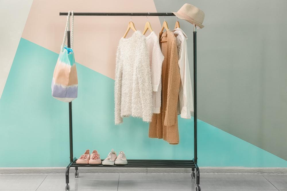 エアークローゼットの洋服を汚したら費用はいくらかかる?修繕費や弁償代金を一覧にしてご紹介